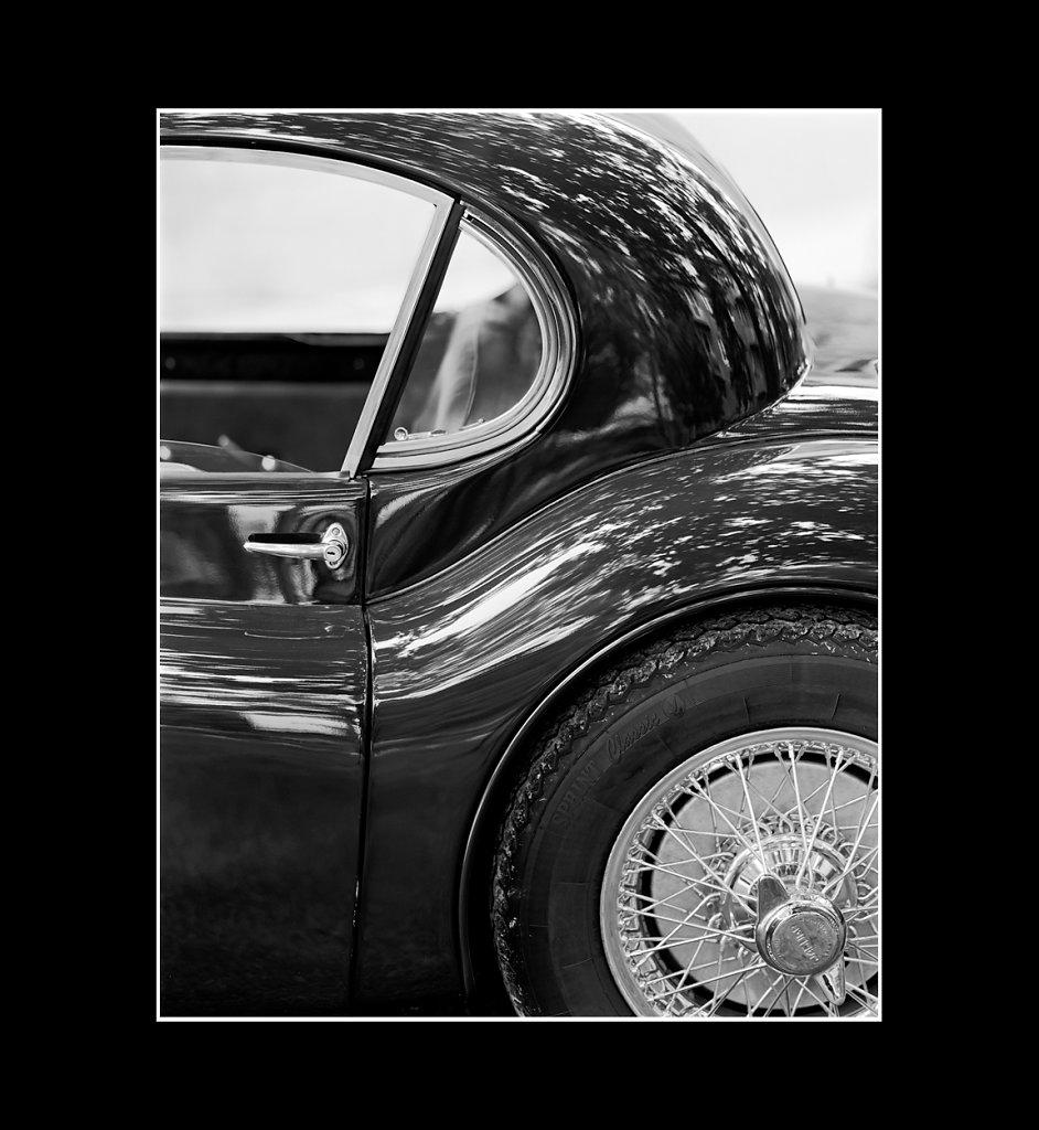 Jaguar-XK120-01.jpg