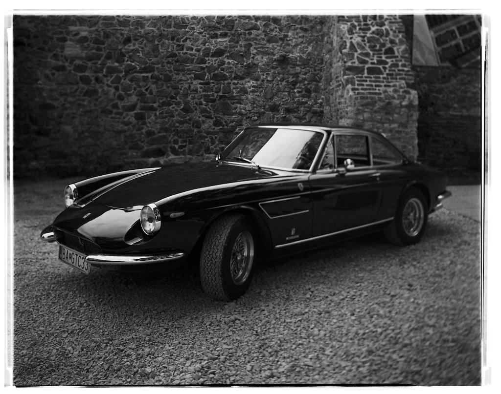 Ferrari-330GTC-Coupe-04.jpg