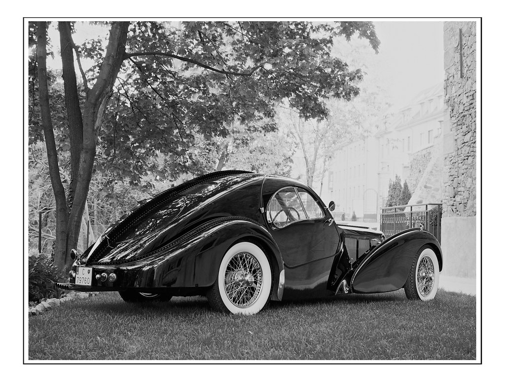 Bugatti-Atlantic-00005-2-1.jpg